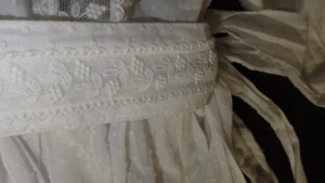 Matching waistband with Guipure lace.