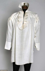 Man's linen shirt, 1790-1810. Augusta Auctions.